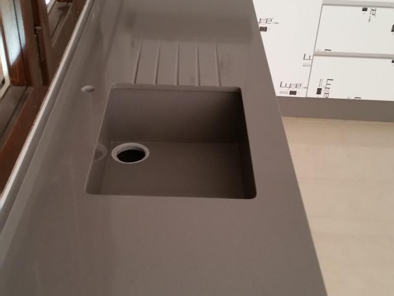 Cubeta hecha de Silestone Gris Expo